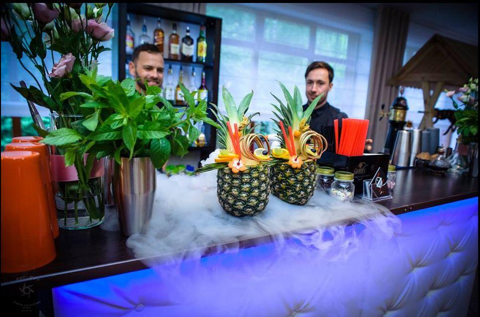 Porozmawiaj z profesjonalistą – Barman na wesele to jest to!!!